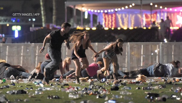 Autoridades actualizan la cifra de muertos y heridos en el tiroteo en Las Vegas