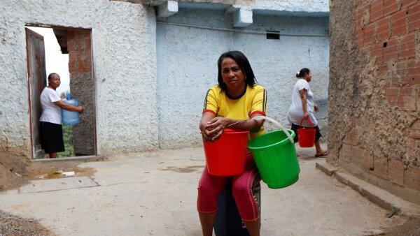 Venezuela, el país con la mayor inflación del planeta, enfrenta la escasez de insumos básicos para sus habitantes.