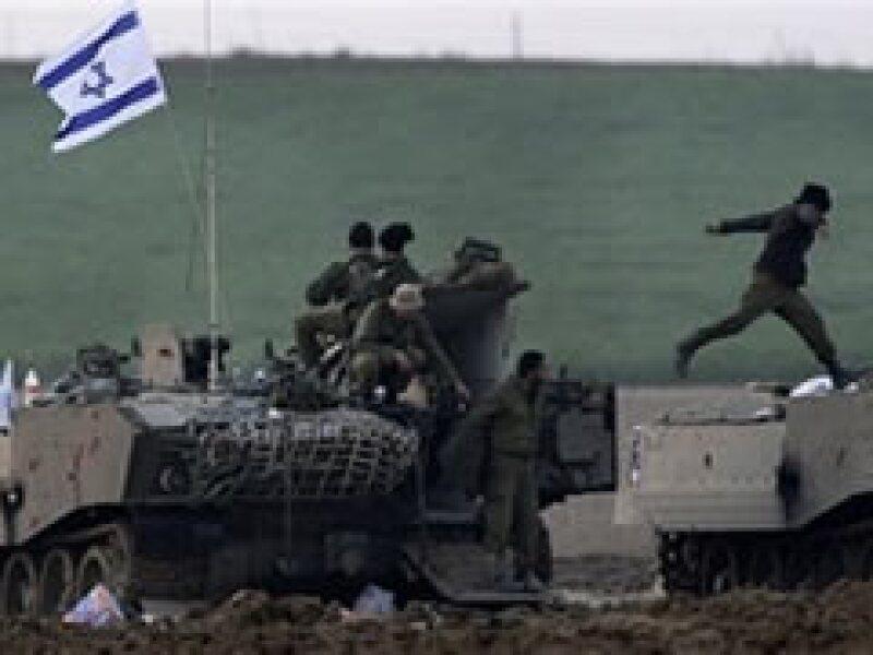 Una docena de civiles palestinos han muerto por los ataques del lunes en la Franja de Gaza. (Foto: AP)