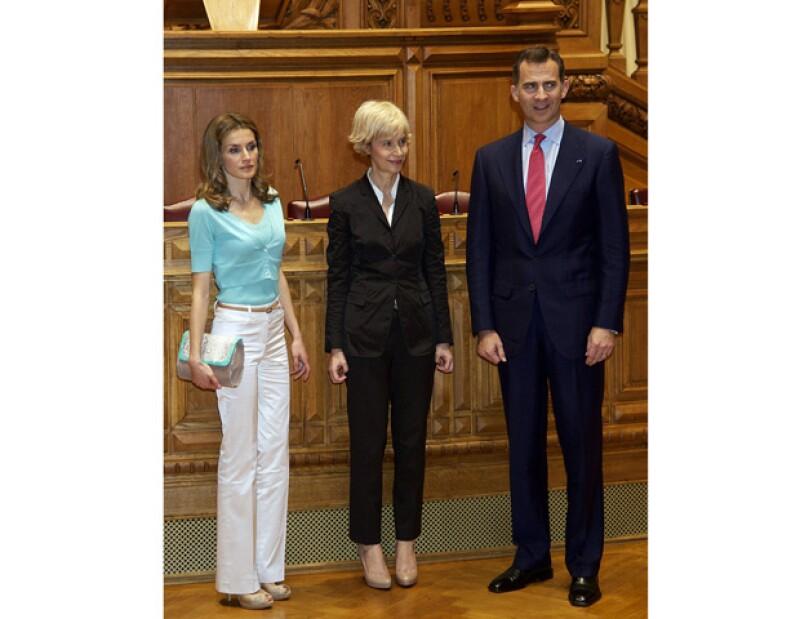 Los príncipes de Asturias visitaron esta semana dicho país. Sin embargo la prensa ha señalado la mala relación entre el matrimonio de Felipe y Letizia.