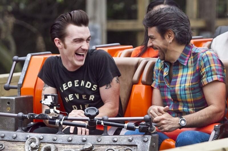 Drake y Eugenio se divirtieron como niños este sábado en Six Flags.
