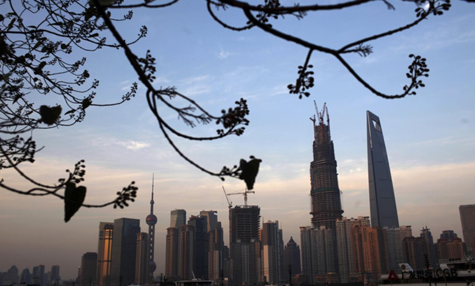 El inmueble está a decenas de metros de los otros dos grandes rascacielos de la ciudad.