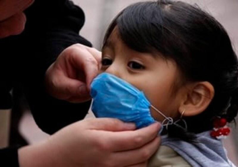 La pandemia del nuevo virus H1N1 se extendió EU y México a 207 países en 2009.  (Foto: AP)