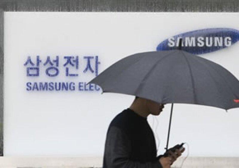 Samsung ha promocionado sus nuevos smartphones y dispositivos por toda la red. (Foto: AP)