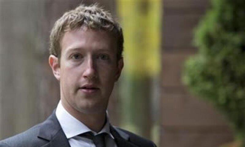 Los usuarios podrían mandar mensajes a Mark Zuckerberg o Sheryl Sandberg a cambio de un pago. (Foto: Reuters)