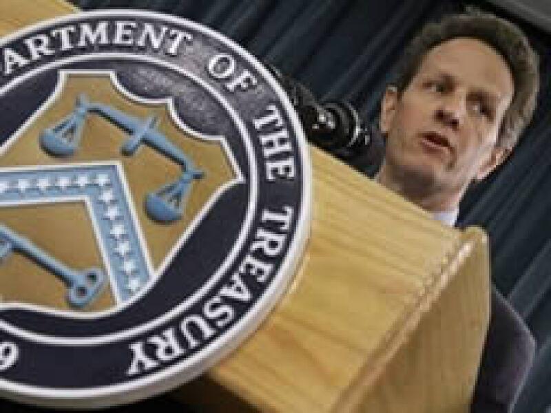 Timothy Geithner, secretario del Tesoro de EU, ve una estabilización en el sector crediticio. (Foto: AP)
