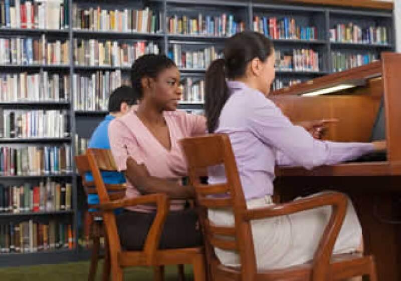 Las universidades cuentan con diferentes actividades extra académicas, de las que puedes tomar parte. (Foto: Jupiter Images)