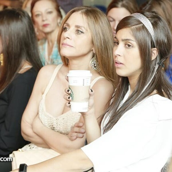 Alejandra y Daniela Sneider