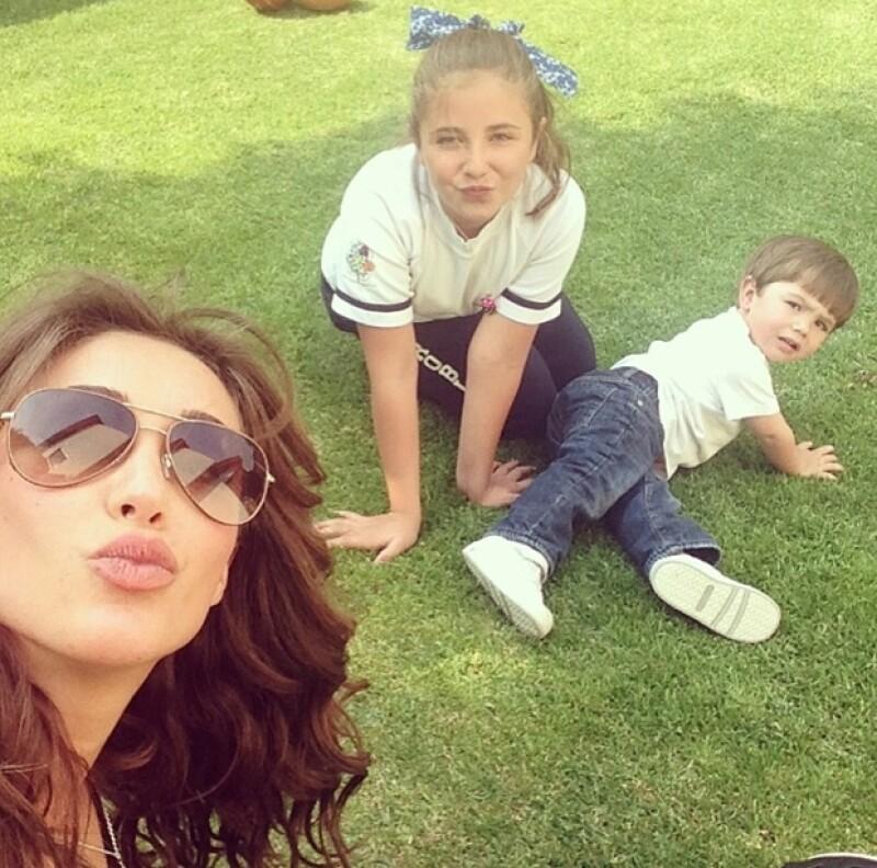 Esta es la imagen más reciente que Anahí ha publicado con Ana Pau. ¿Se parecen?