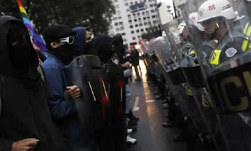 No está claro si la policía podrá lograr órdenes de arresto. (Foto: Reuters)