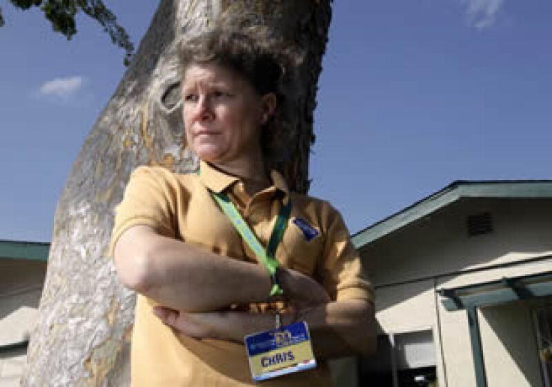 Christine Kwapnoski dice que en Wal-Mart los hombres ganan más que las mujeres y se les asciende más pronto. (Foto: AP)