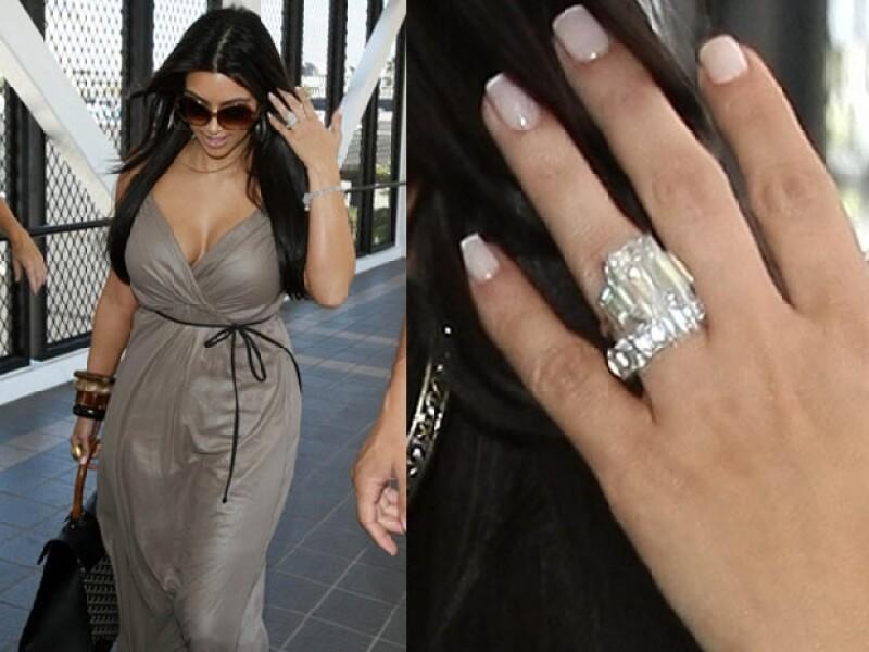 El anillo de Kim es de los más costosos que le han dado a una celebritie.