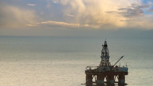 Oro Negro operaba cinco plataformas marítimas de perforación que se localizan en el Golfo de México; los contratos fueron ilegal y repentinamente terminados por Pemex, el 3 de octubre de 2017.
