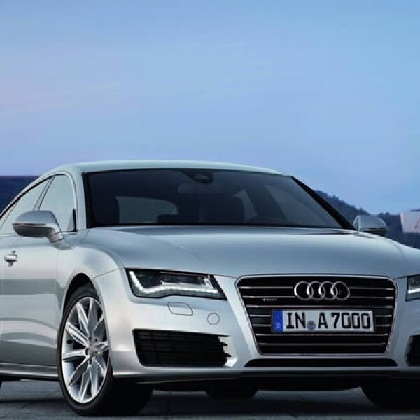 Su nuevo motor de 3.0 litros TDI emite 139 gramos de dióxido de carbono por kilómetro recorrido, y una potencia de 204 caballos de fuerza.