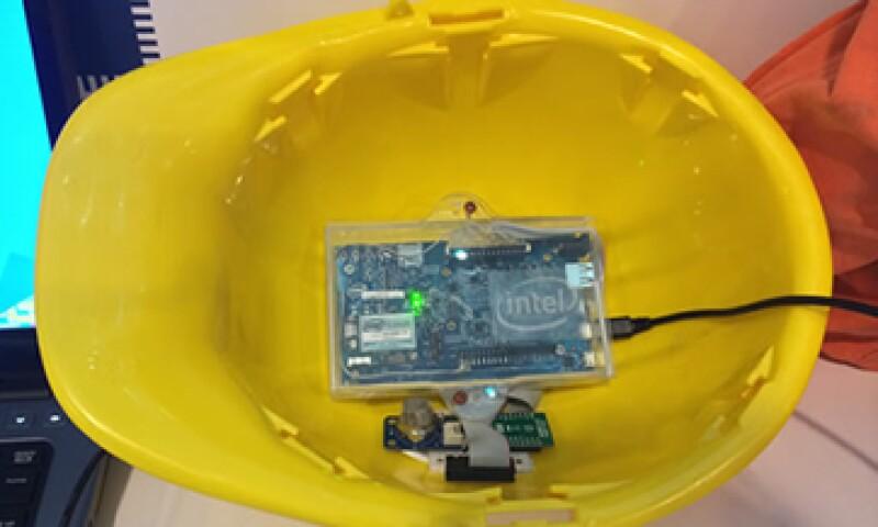 El casco tiene una tarjeta de desarrollo Galileo y un microprocesador especial para tecnología vestible. (Foto: Especial)
