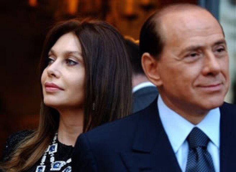 Verónica Lario, una ex actriz de 52 años, dijo estar harta del encaprichamiento de Silvio Berlusconi con mujeres más jóvenes. (Foto: AP)