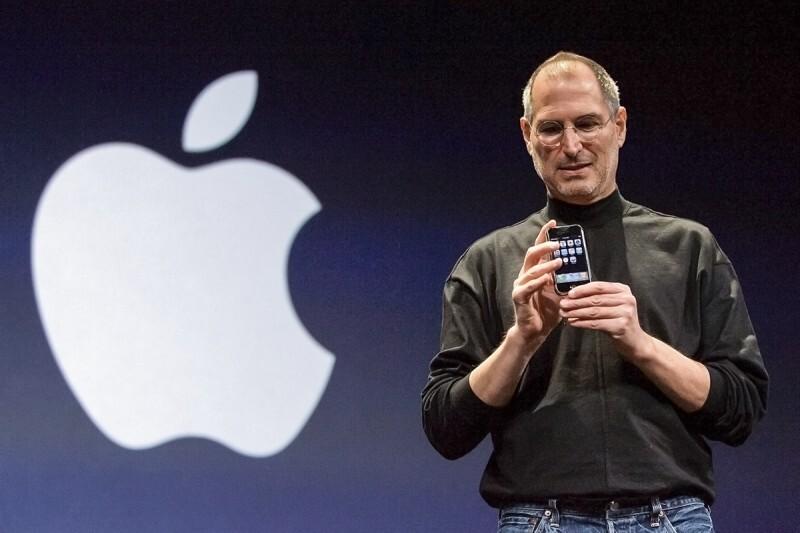 Así es Apple a 8 años de la muerte de Steve Jobs