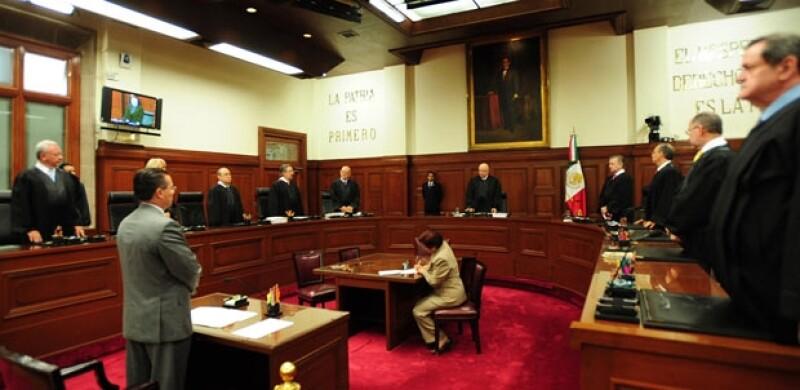 Los ministros de la Suprema Corte aprobaron con 9 de 11 votos la adopción para matrimonios del mismo sexo.