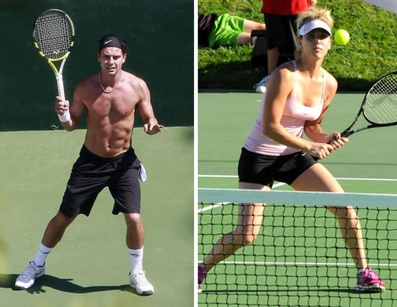 Gavin Rossdale y Kaley Cuoco practican el tenis.