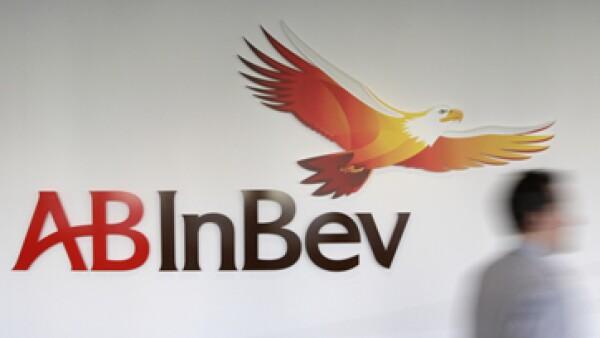 Anheuser Busch InBev acordó la adquisición del 50% que no poseía de Grupo Modelo por un importe de 20,100 millones de dólares. (Foto: AP)