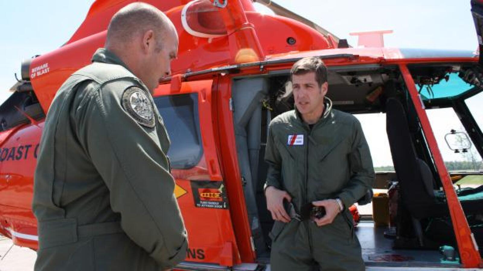 Las autoridades utilizaron también helicópteros para frenar el derrame