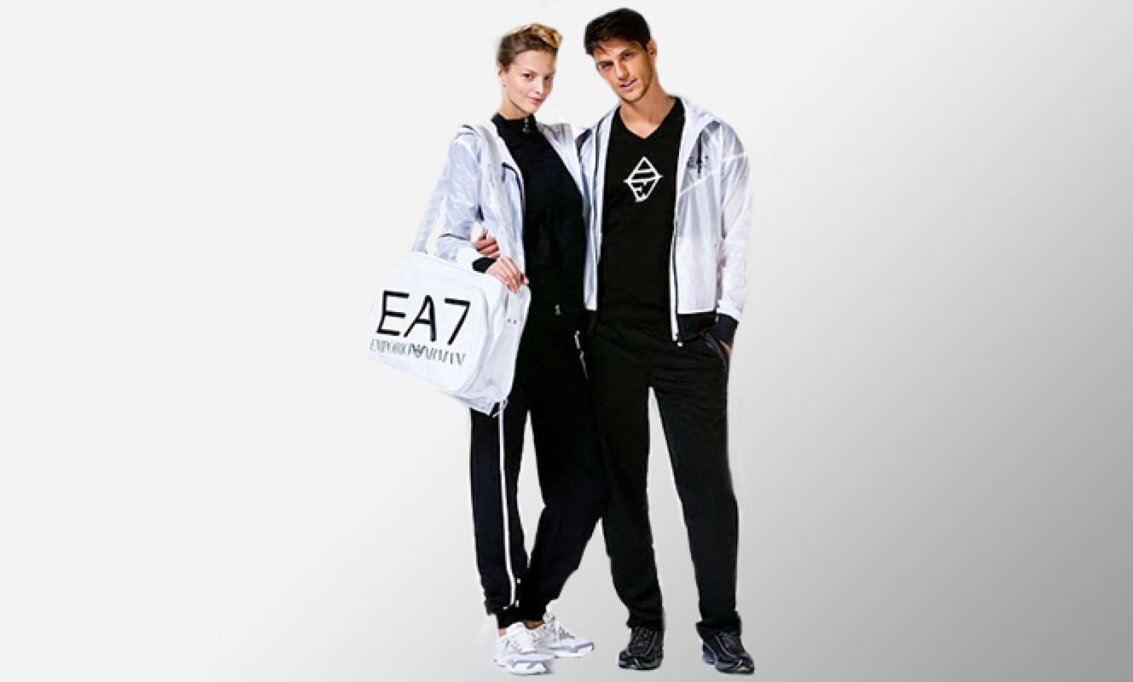 La firma de ropa Armani presentó su nueva colección Sportwear '11, en donde existen opciones para ambos sexos para mantener tu estilo aún cuando haces ejercicio.