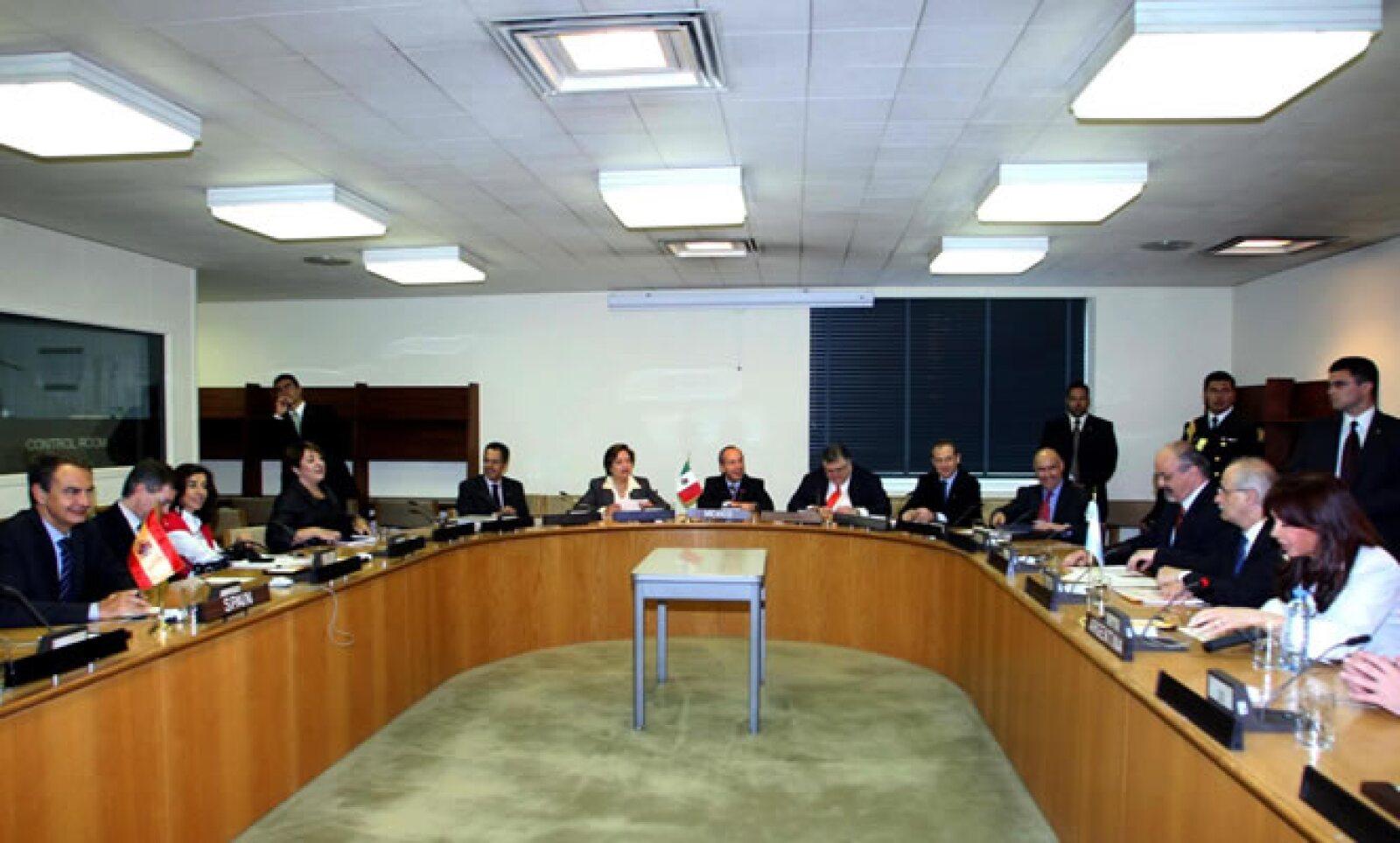 Los jefes de Estado y de Gobierno de los países iberoamericanos miembros del G-20 se reunieron el jueves en la Sede de la Organización de las Naciones Unidas en la ciudad de Nueva York. Felipe Calderón asistió.