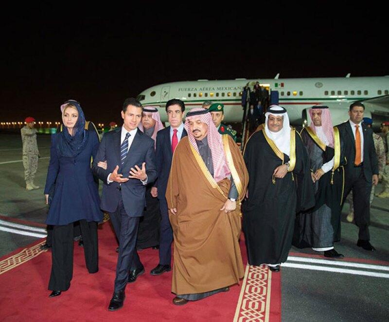 La primera visita del presidente y su esposa fue Arabia Saudita.
