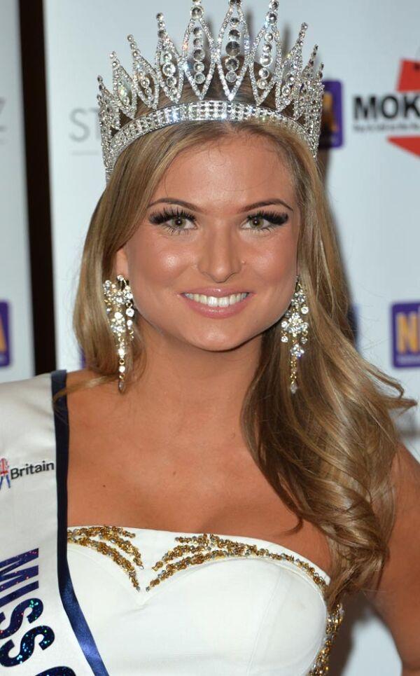 La ex Miss admitió sentirse avergonzada por las escenas íntimas que aparecieron en el reality show.