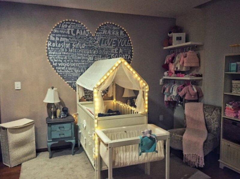El cuarto de la bebé ya esperaba su llegada.