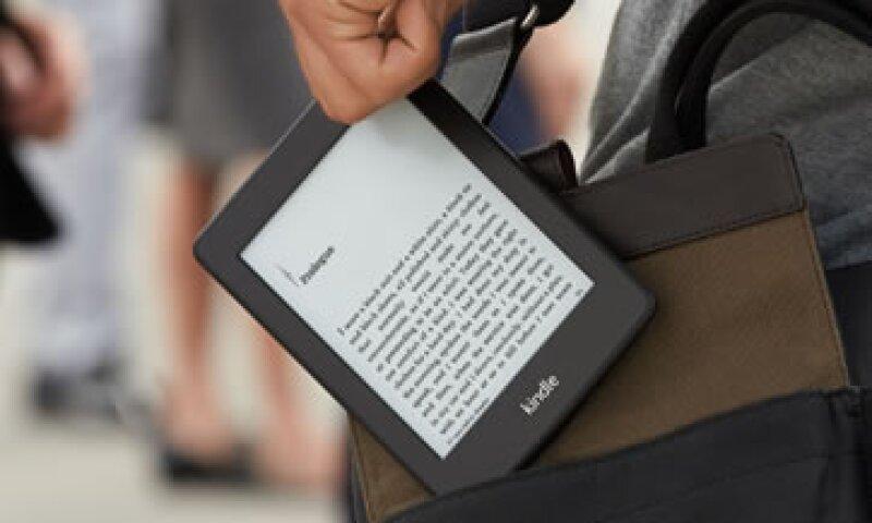 Los lectores de libros electrónicos también disfrutan de los impresos. (Foto: Cortesía de Amazon/Fortune)