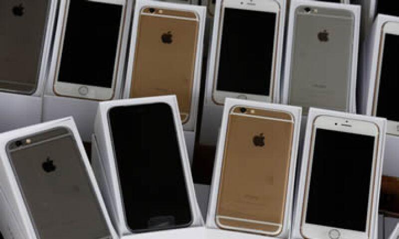 Apple anunció que alcanzó ventas récord del iPhone 6 en su primer fin de semana en EU.(Foto: Reuters)