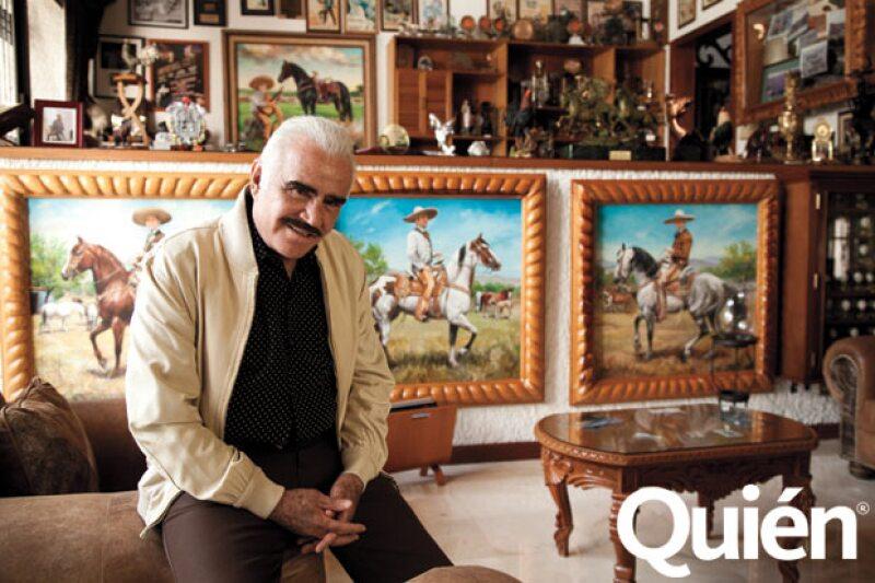 En su estudio tiene cuadros de sus hijos Vicente, Alejandro y Gerardo a caballo.