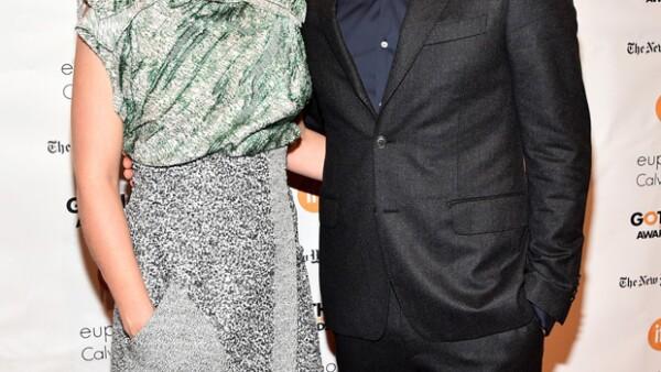 Testigos aseguran que él y la actriz Ruth Wilson se mostraron extremadamente cariñosos entre bambalinas en la pasada gala de los Globos de Oro y ya no esconden que tienen una relación.
