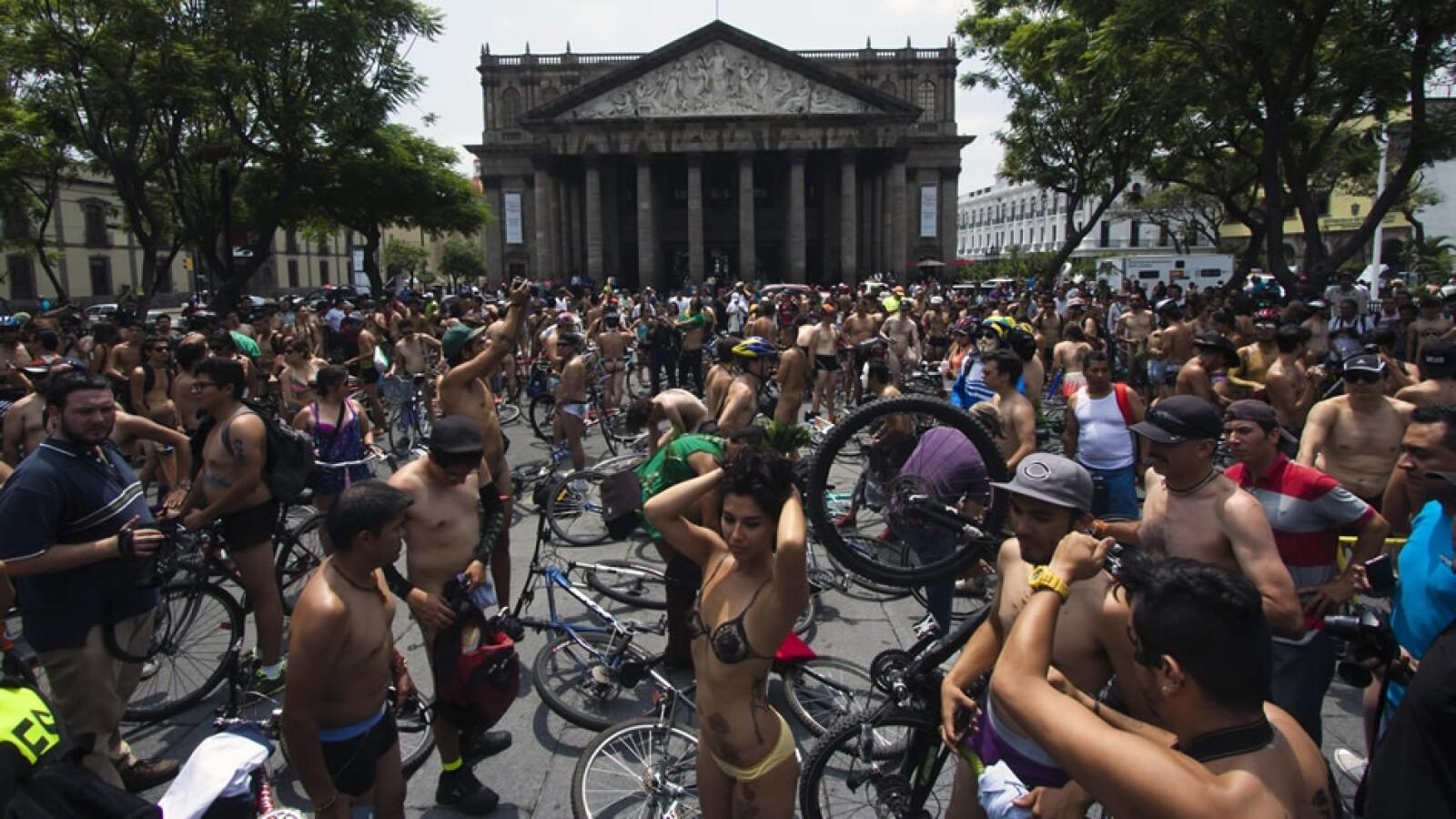 Rodada ciclista al desnudo México 2014