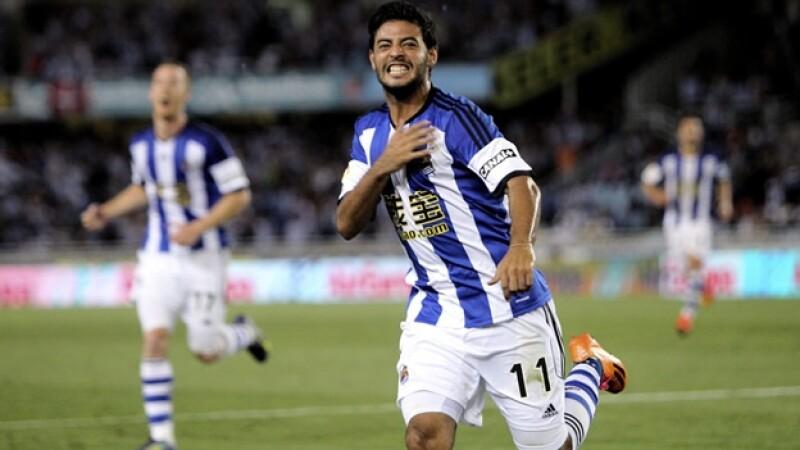 Carlos Vela festeja el cuarto gol de la Real Sociedad ante un Real Madrid que no supo mantener el marcador y cayó como visitante