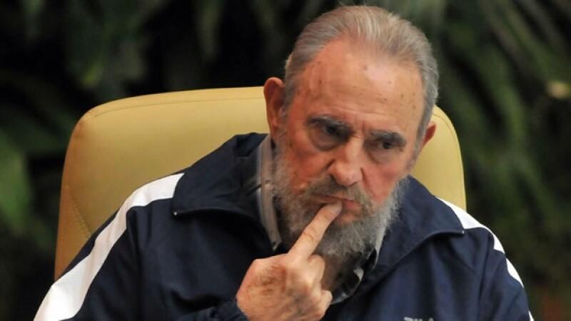 fidel castro durante el VI congreso del Partido Comunista de Cuba