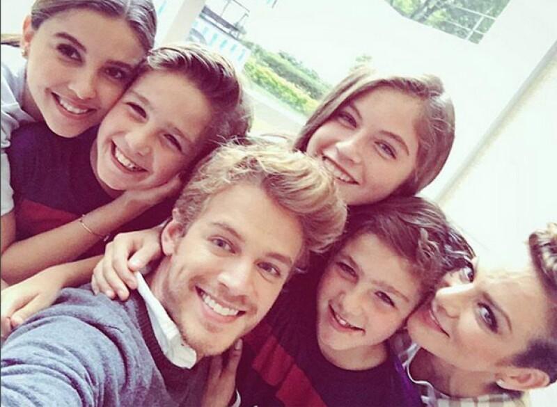 A la celebración asistió parte del elenco de la telenovela `Mi corazón es tuyo´.