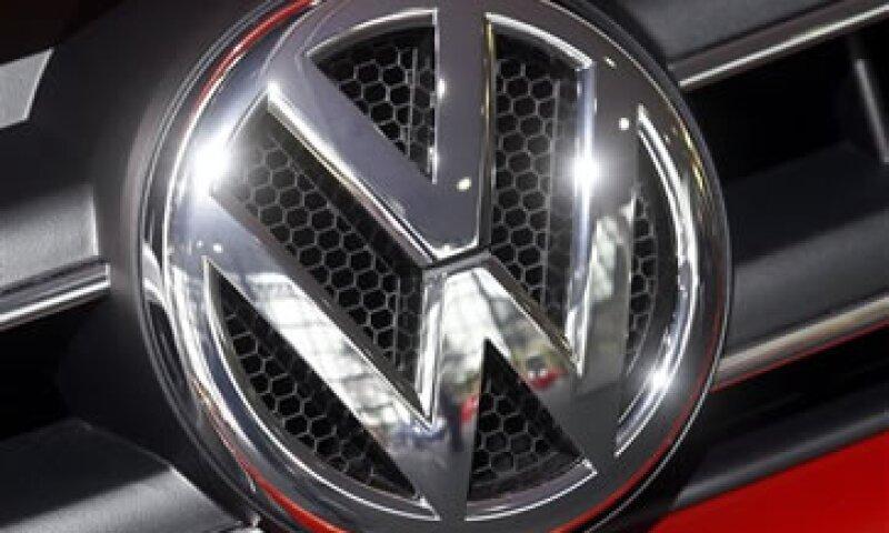 VW indicó que busca igualar las ganancias operativas de 2011 de 11,300 mdd. (Foto: AP)