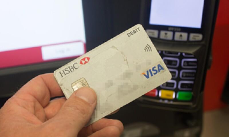 Los mexicanos son mesurados en el uso de sus tarjetas, revela el estudio (Foto: Getty Images/Archivo )