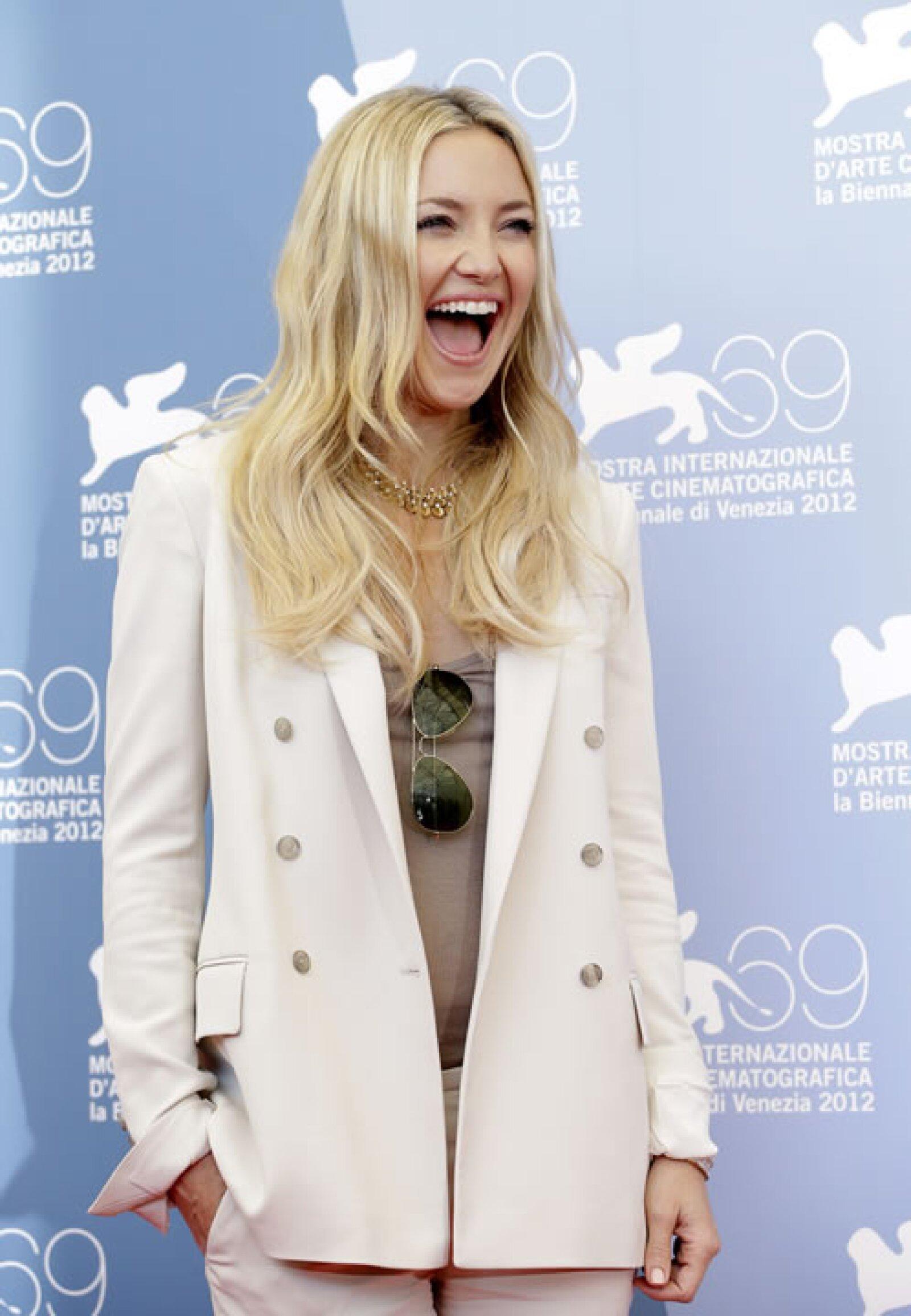 Kate Hudson se divirtió durante una llamada fotográfica.
