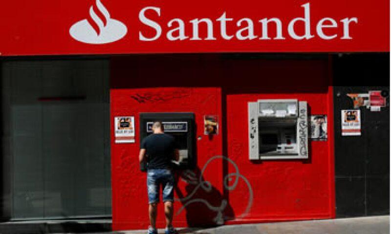 El banco Santander se disculpó tras haber dicho que la economía de Brasil empeoraría si Dilma Rousseff es reelecta. (Foto: Reuters)