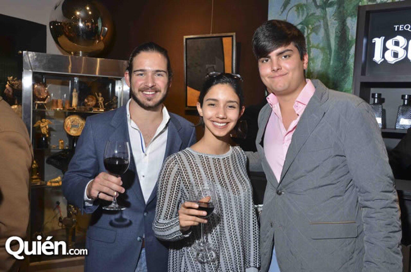 Pablo Meade, Fernanda Carrillo y Rodrigo Rivero-Lake Aguilar y Maya