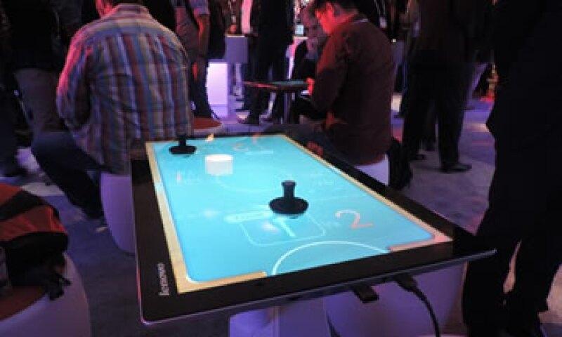 La PC-tablet Horizon 2 es una gran mesa de entretenimiento con una resolución de 2560x1440 píxeles. (Foto: Luis Estrada)