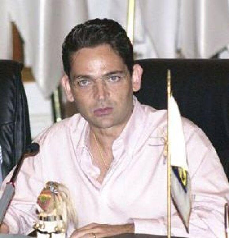El Secretario de Gobernación viajaba en el jet que se estrelló anoche al poniente de la Ciudad de México.