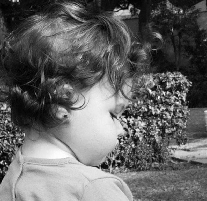 """Estas son algunas fotografías """"recientes"""" de la pequeña de casi dos años que ha compartido Mayra Rojas."""