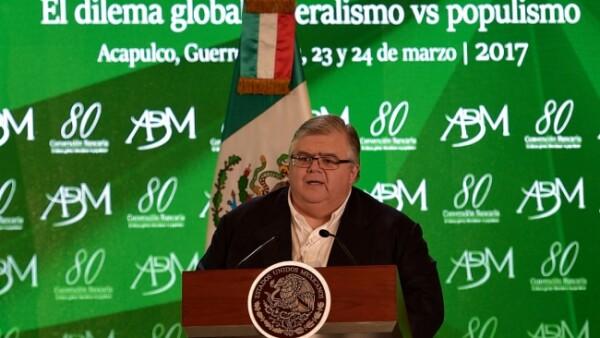 El primero en asistir a San Lázaro será el secretario de Hacienda y Crédito Público, Agustín Carstens Carstens. (Foto: Notimex)