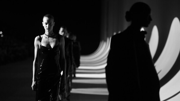 Saint Laurent : Runway - Paris Fashion Week Womenswear Fall/Winter 2020/2021