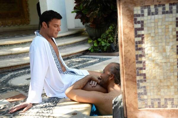 Ricky Martin es Antonio D'Amico y Edgar Ramírez es Gianni Versace en EL ASESINATO DE GIANNI VERSACE AMERICAN CRIME STORY - FX