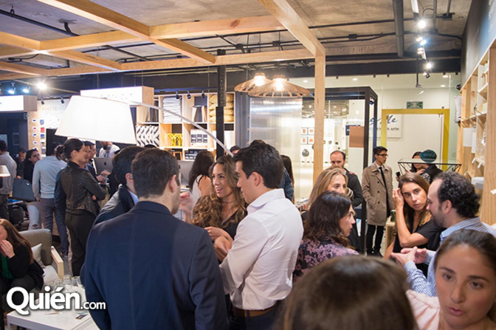 Los asistentes al evento pudieron ver algunas de las piezas que ofrece la marca.